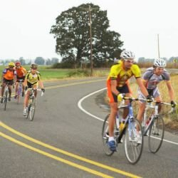 grupo de ciclistas - foto: getty images