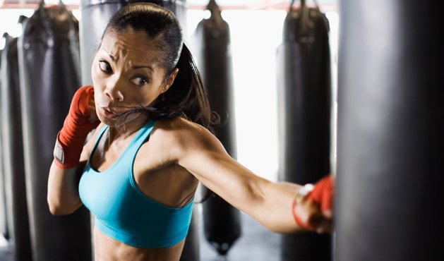 mulher treinando boxe - Foto Getty Images