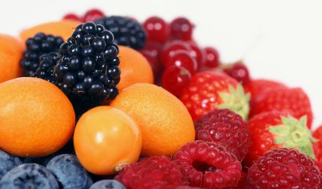 Comer frutas - Foto: Getty Images