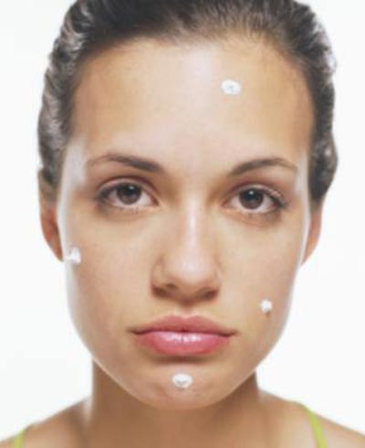 Woman with toothpaste on his face - Photo: Getty Images