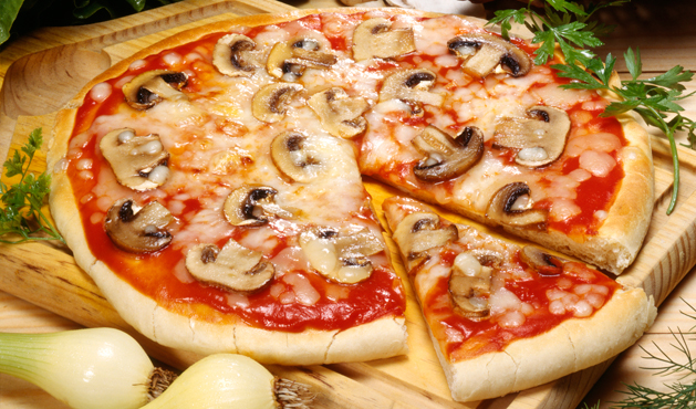 pizza de champignon com muçarela - Foto: Getty Images