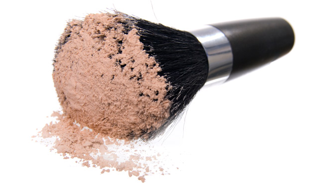 Powder Makeup - Photo Getty Images